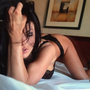 Guylaine erotic massage, escort girl